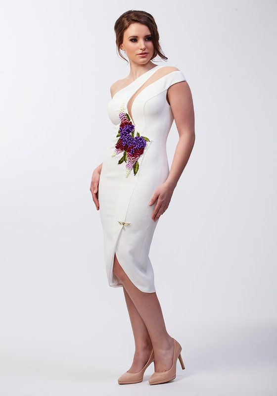 Model wearing Phoenix V Holly pencil occasion dress, Dublin