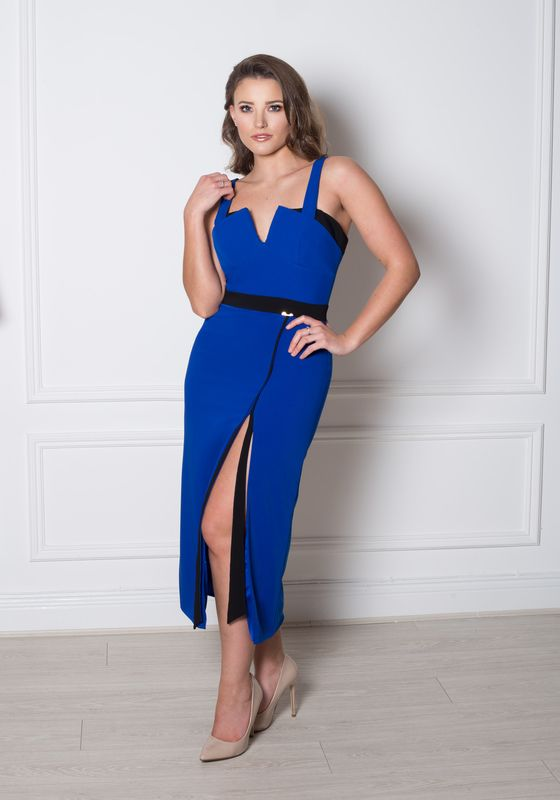 Model wearing Phoenix V Belora pencil occasion dress, Dublin