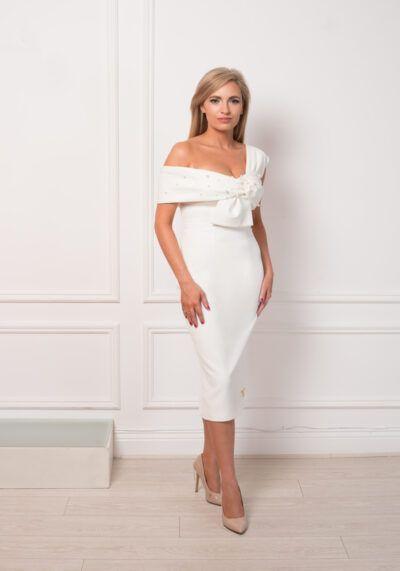 Model wearing Hosana pencil occasion dress, Dublin