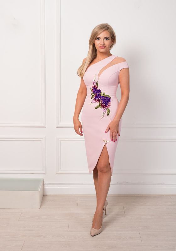 Model wearing Phoenix V Junie pencil occasion dress, Dublin