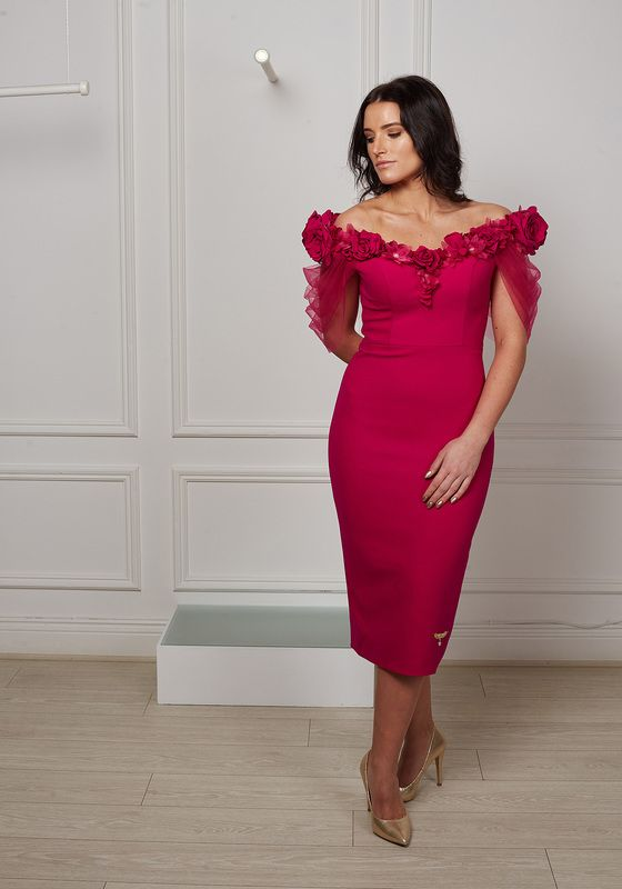Model wearing Phoenix V Ch pencil occasion dress, Dublin