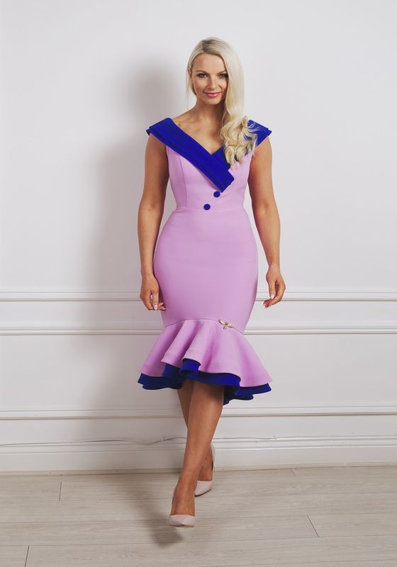Lilac double-fishtail dress with cobalt blue collar and buttons