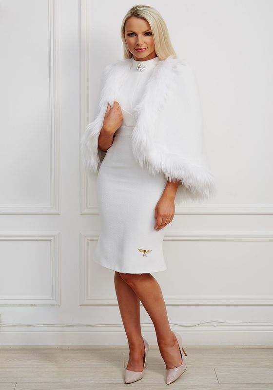 White tweed fur trimmed cape